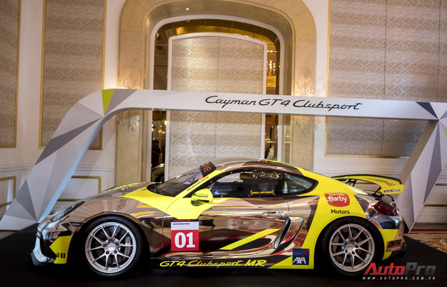 Chi tiết xe đua thể thao Porsche Cayman GT4 ClubSport vừa được giới thiệu tại Việt Nam - Ảnh 3.