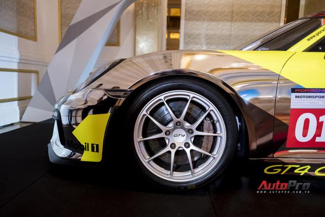 Chi tiết xe đua thể thao Porsche Cayman GT4 ClubSport vừa được giới thiệu tại Việt Nam - Ảnh 6.