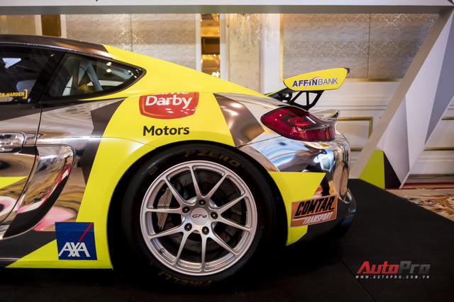 Chi tiết xe đua thể thao Porsche Cayman GT4 ClubSport vừa được giới thiệu tại Việt Nam - Ảnh 7.