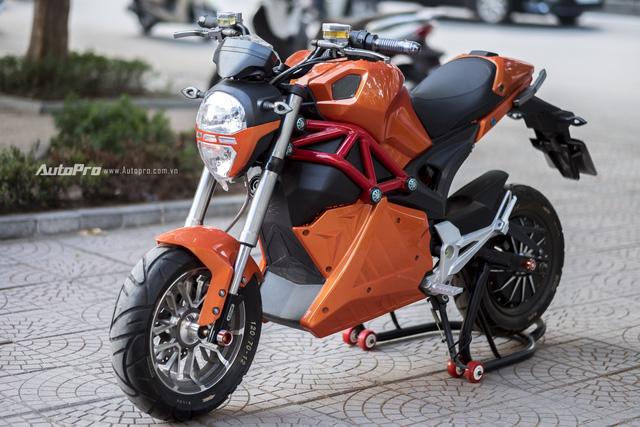 Cận cảnh xe điện mang kiểu dáng Ducati Monster, giá 25 triệu Đồng tại Hà Nội - Ảnh 2.