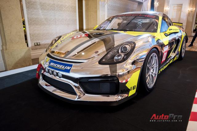 Chi tiết xe đua thể thao Porsche Cayman GT4 ClubSport vừa được giới thiệu tại Việt Nam - Ảnh 13.