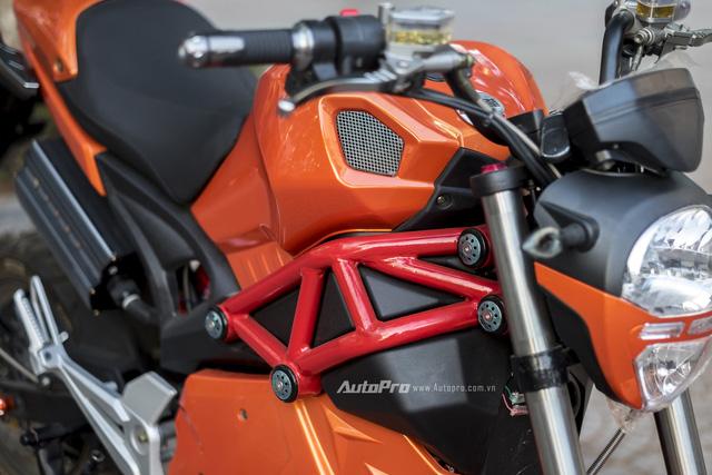 Cận cảnh xe điện mang kiểu dáng Ducati Monster, giá 25 triệu Đồng tại Hà Nội - Ảnh 5.
