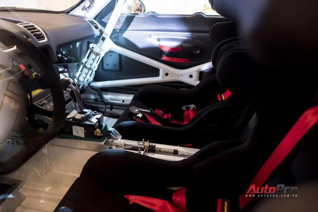 Chi tiết xe đua thể thao Porsche Cayman GT4 ClubSport vừa được giới thiệu tại Việt Nam - Ảnh 11.