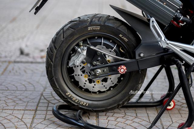 Cận cảnh xe điện mang kiểu dáng Ducati Monster, giá 25 triệu Đồng tại Hà Nội - Ảnh 8.