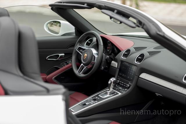 Cận cảnh Porsche 718 Boxster giá 4,5 tỉ đồng tại Việt Nam - Ảnh 11.