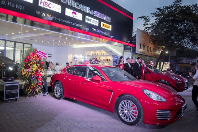 Dàn siêu xe và xe sang tụ tập tại Hà Thành mừng khai trương - Ảnh 5.