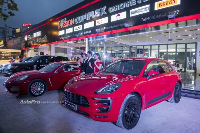Dàn siêu xe và xe sang tụ tập tại Hà Thành mừng khai trương - Ảnh 6.