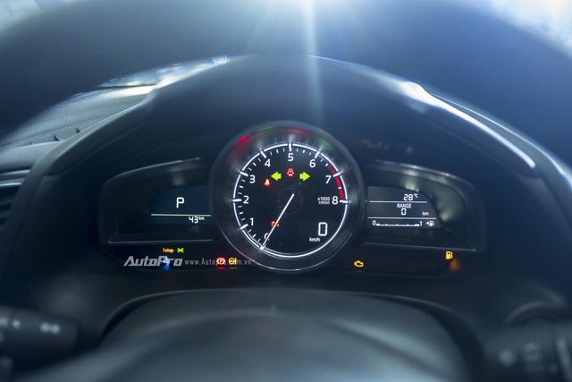 Cận cảnh Mazda3 2017 cao cấp nhất, giá hơn 800 triệu Đồng - Ảnh 13.