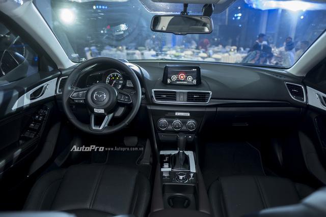 Cận cảnh Mazda3 2017 cao cấp nhất, giá hơn 800 triệu Đồng - Ảnh 11.