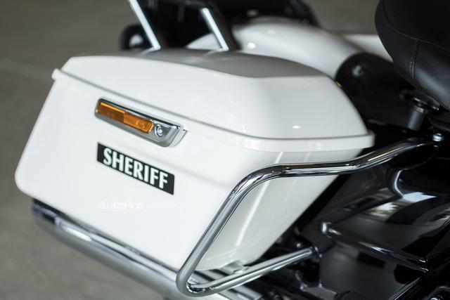 Harley-Davidson Police Electra Glide 2017 đầu tiên về Việt Nam với giá hơn 1 tỉ Đồng - Ảnh 18.
