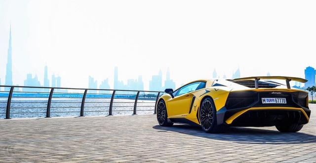 Bộ áo lạ mắt của hàng hiếm Lamborghini Aventador SV tại Dubai - Ảnh 7.