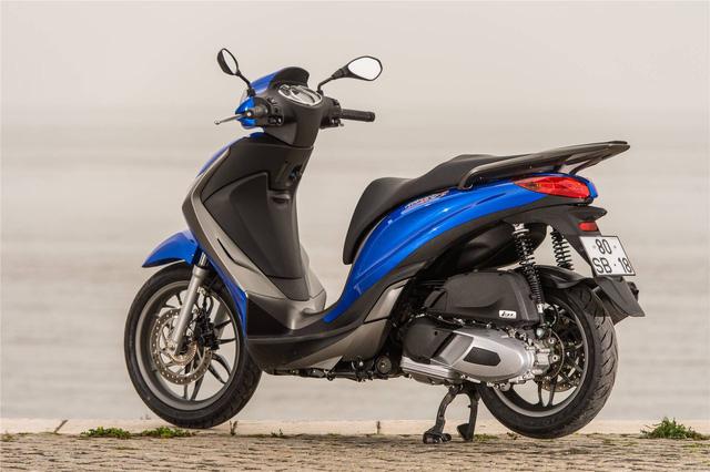 Cạnh tranh Honda SH dịp cuối năm, Piaggio Medley giảm 5 triệu đồng - Ảnh 3.