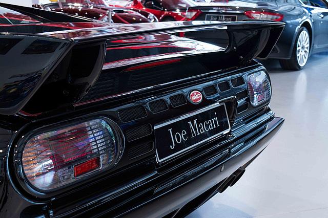 Bugatti EB110 SS - Siêu xe thập niên 90 có giá rao bán 26,5 tỷ Đồng - Ảnh 9.