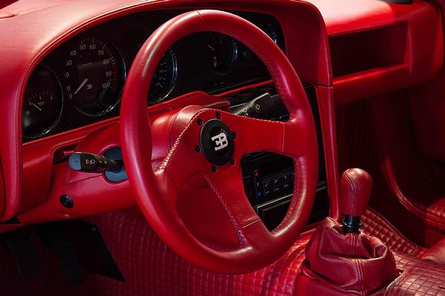Bugatti EB110 SS - Siêu xe thập niên 90 có giá rao bán 26,5 tỷ Đồng - Ảnh 11.