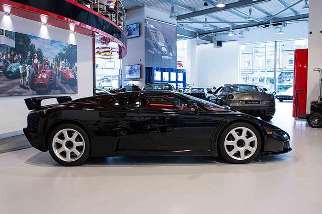 Bugatti EB110 SS - Siêu xe thập niên 90 có giá rao bán 26,5 tỷ Đồng - Ảnh 3.