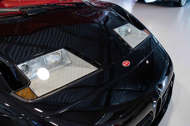 Bugatti EB110 SS - Siêu xe thập niên 90 có giá rao bán 26,5 tỷ Đồng - Ảnh 8.