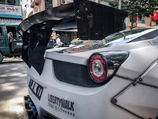 Chiêm ngưỡng bộ áo mới trên siêu xe Ferrari 458 Italia độ Liberty Walk độc nhất Việt Nam - Ảnh 12.