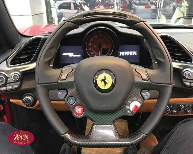 Cận cảnh Ferrari 488 Spider xông đất Việt Nam trong năm 2017 - Ảnh 9.