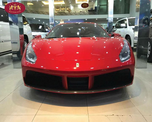 Cận cảnh Ferrari 488 Spider xông đất Việt Nam trong năm 2017 - Ảnh 1.