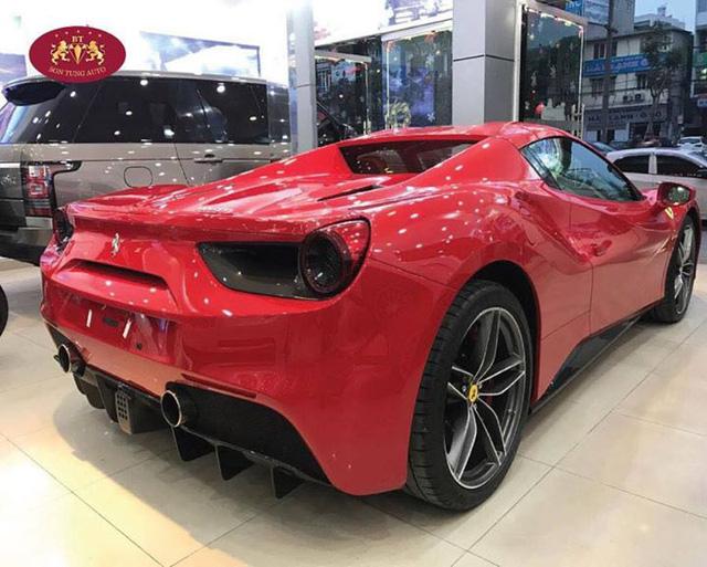 Cận cảnh Ferrari 488 Spider xông đất Việt Nam trong năm 2017 - Ảnh 5.