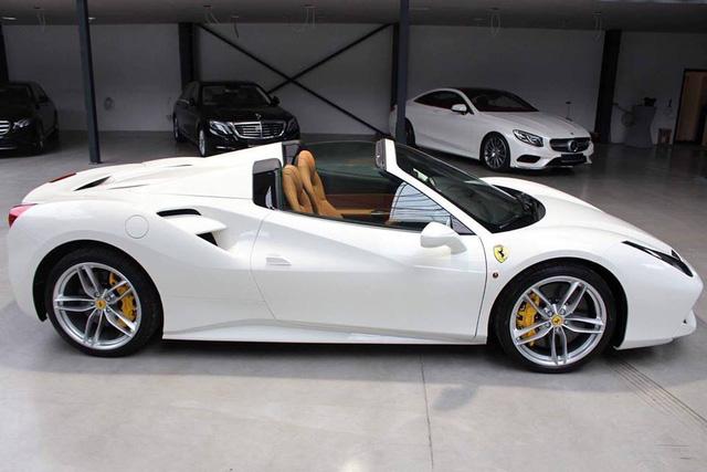 Thêm một siêu xe Ferrari 488 mui trần được đưa về nước - Ảnh 6.
