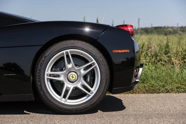 Ferrari Enzo - Ngựa càng già, giá càng chát - Ảnh 9.