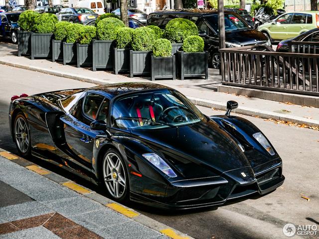 Ferrari Enzo 13 năm tuổi vẫn như xe mới - Ảnh 2.