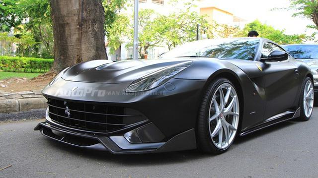 Ferrari F12 Berlinetta từng thuộc sở hữu của Cường Đô-la được mạ vàng tại Sài thành - Ảnh 6.