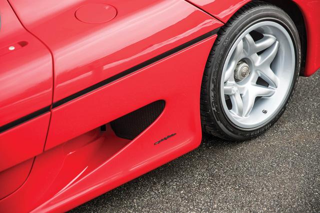 Ferrari F50 của tay đấm huyền thoại Mike Tyson chuẩn bị lên sàn đấu giá - Ảnh 6.