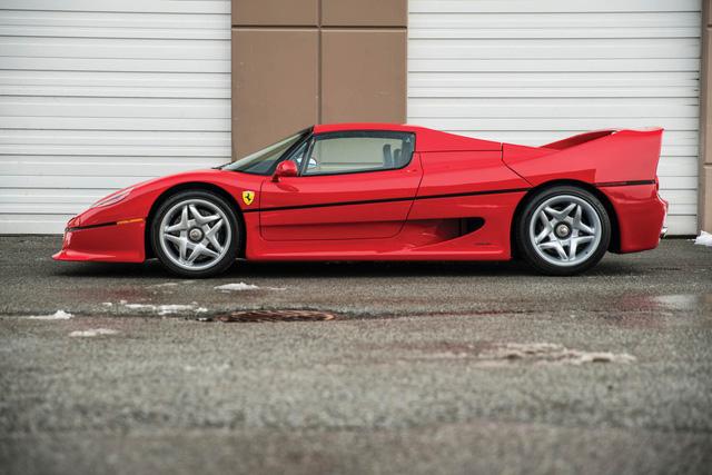 Ferrari F50 của tay đấm huyền thoại Mike Tyson chuẩn bị lên sàn đấu giá - Ảnh 2.