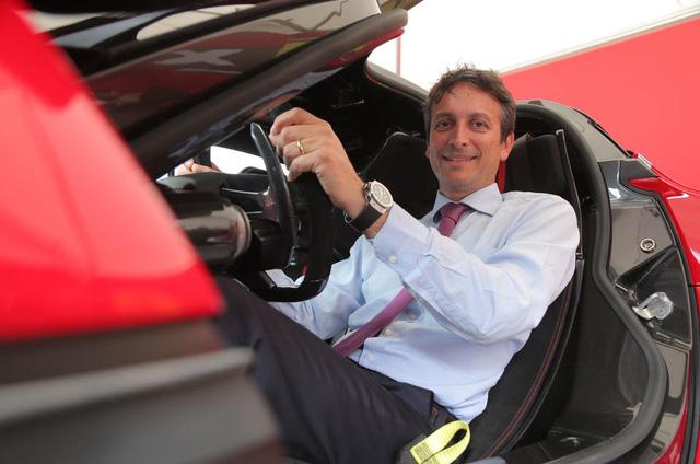 Lộ diện người từ chối bán siêu xe Ferrari LaFerrari Aperta cho đại gia Mỹ - Ảnh 1.