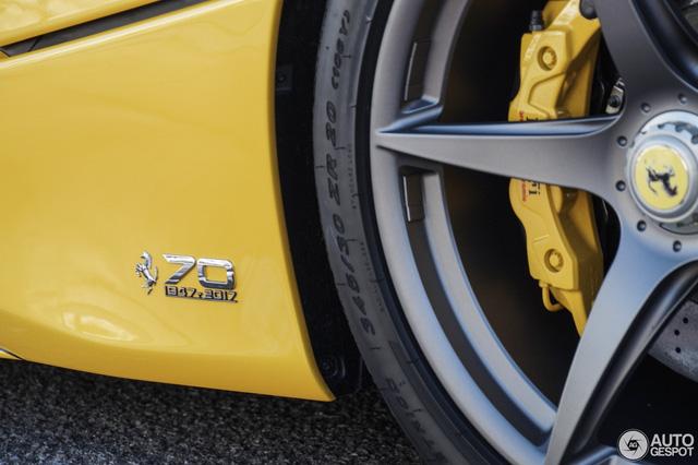 Xuống phố cùng Ferrari LaFerrari mui trần màu vàng rực 45 tỷ Đồng - Ảnh 9.