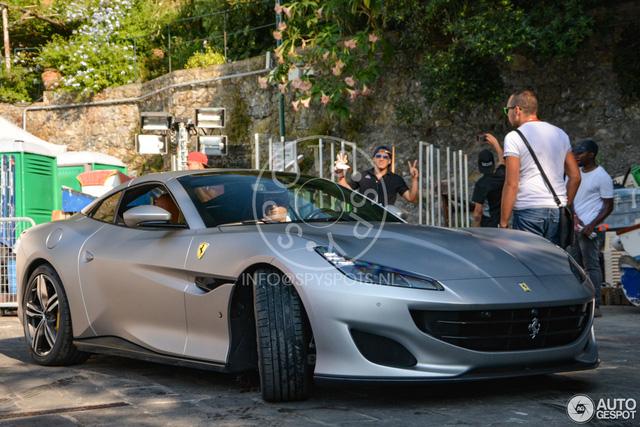 Siêu xe mui trần Ferrari Portofino được giới thiệu riêng cho các khách hàng VIP - Ảnh 3.