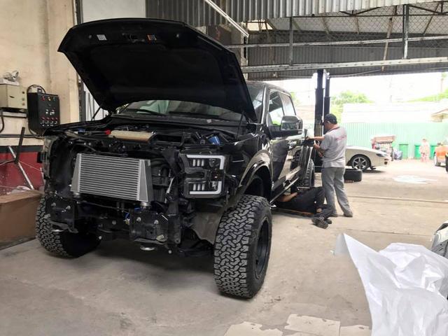 Tay chơi Kiên Giang lên đời Ford F-150 Platinum thành siêu bán tải Raptor - Ảnh 10.