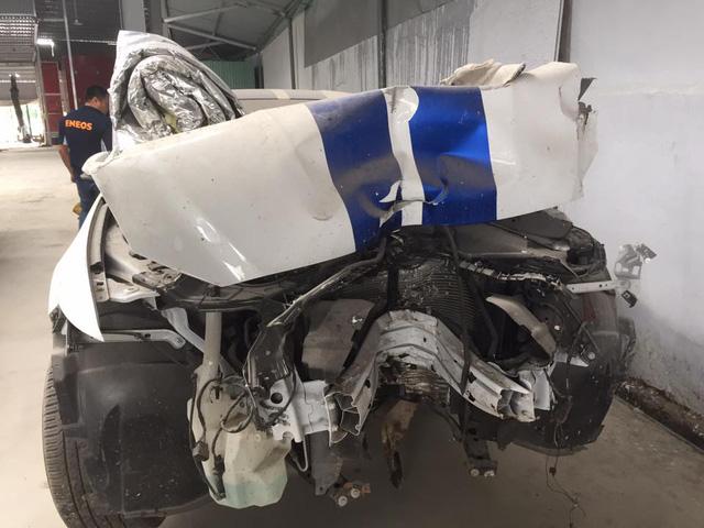 Sau tai nạn nghiêm trọng tại Huế, chiếc Ford Mustang làm bạn với bụi tại garage Sài thành - Ảnh 1.