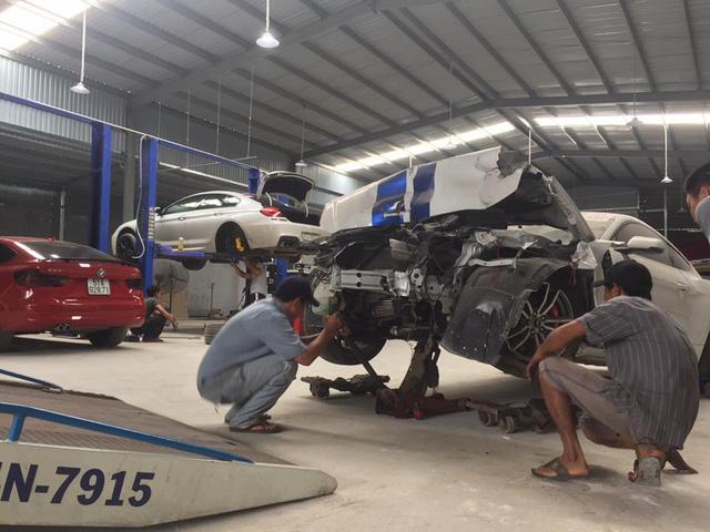 Sau tai nạn nghiêm trọng tại Huế, chiếc Ford Mustang làm bạn với bụi tại garage Sài thành - Ảnh 6.