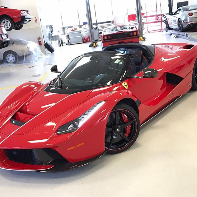 Đại gia ngành chăn đệm tậu Ferrari LaFerrari mui trần 46 tỷ Đồng - Ảnh 5.
