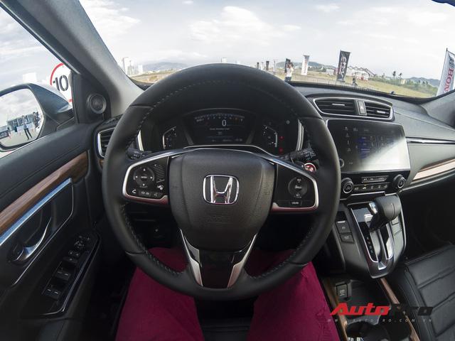 Cận cảnh Honda CR-V 2018 phiên bản cao cấp nhất vừa ra mắt Việt Nam - Ảnh 12.