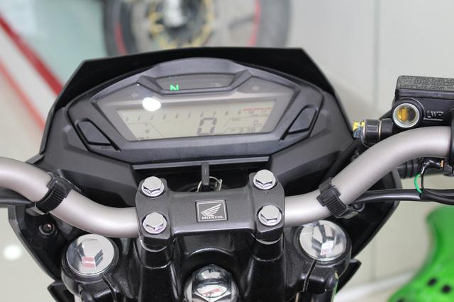 Honda CB Hornet 160R 2017 cập bến Việt Nam, giá từ 73 triệu Đồng - Ảnh 15.