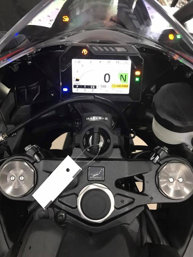 Siêu mô tô Honda CBR1000RR 2017 đầu tiên cập bến Việt Nam - Ảnh 9.