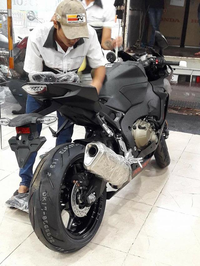 Siêu mô tô Honda CBR1000RR 2017 đầu tiên cập bến Việt Nam - Ảnh 5.
