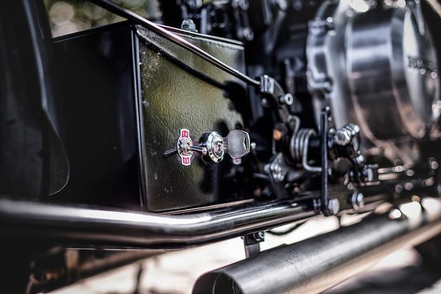 Honda CMX450 Rebel độ phong cách Bobber đậm chất lãng tử - Ảnh 3.