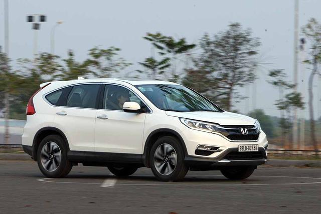 Noi gương Honda CR-V, Mitsubishi Outlander hạ giá còn gần 750 triệu Đồng để xả hàng tồn - Ảnh 2.