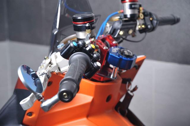 Honda Winner 150 lột xác với dàn đồ chơi trên các xe phân khối lớn - Ảnh 8.