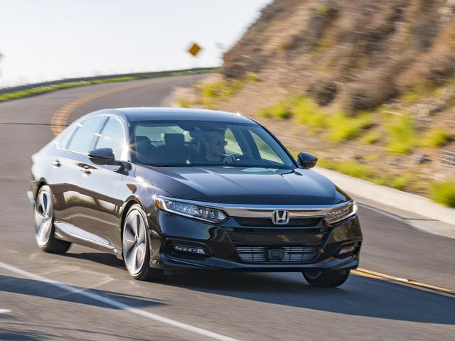Honda Accord và cuộc đua doanh số trong mơ với Toyota Camry - Ảnh 2.