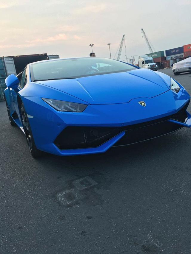 Lamborghini Huracan màu xanh Lemans độc nhất cập bến Việt Nam - Ảnh 3.