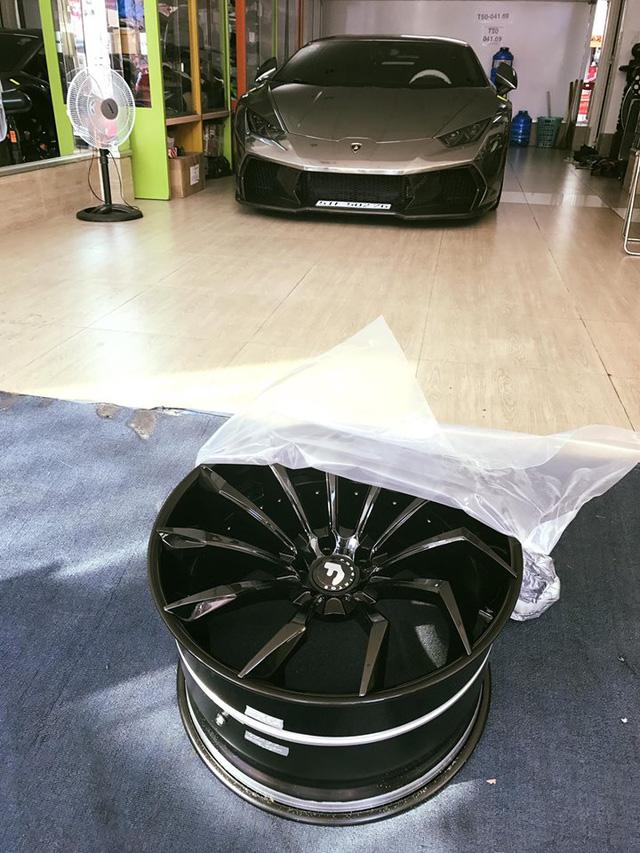 Lamborghini Huracan độ Novara Edizione độc nhất Việt Nam lên la-zăng khủng 240 triệu Đồng - Ảnh 4.