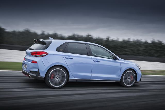 Phiên bản thể thao của xe gia đình Hyundai i30 chính thức trình làng - Ảnh 4.