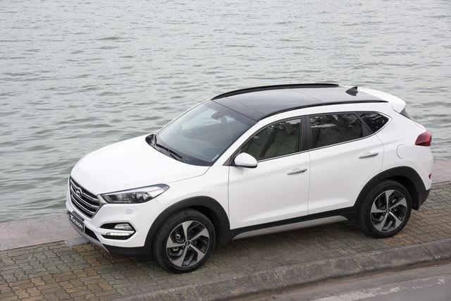 Hyundai Tucson 2017 ra mắt với giá rẻ bất ngờ 815 triệu, Mazda CX-5 và Honda CR-V gặp thách thức lớn - Ảnh 1.
