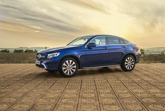 Được đà ăn khách, Mercedes-Benz tung ra phiên bản GLC 300 4MATIC Coupé - Ảnh 1.